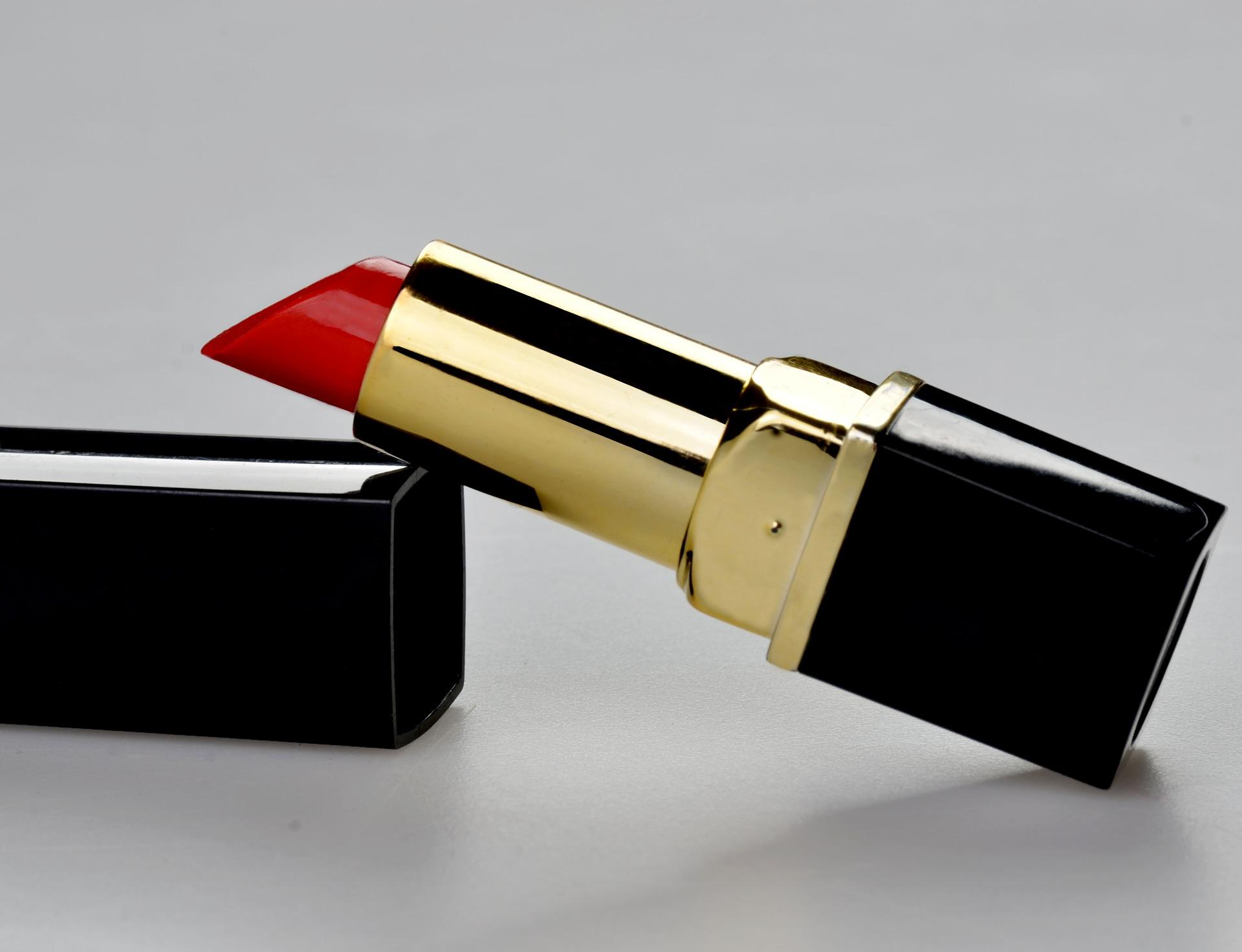 33. lipstick-1818418_1920